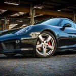 schwarzer Porsche Cayman 981 S Seitenansicht
